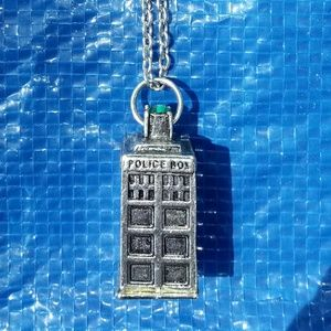 Jewelry - (🌟3/10-5/15-7/20) Long Tardis/Police Box Necklace
